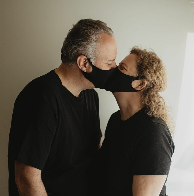 face mask kisses