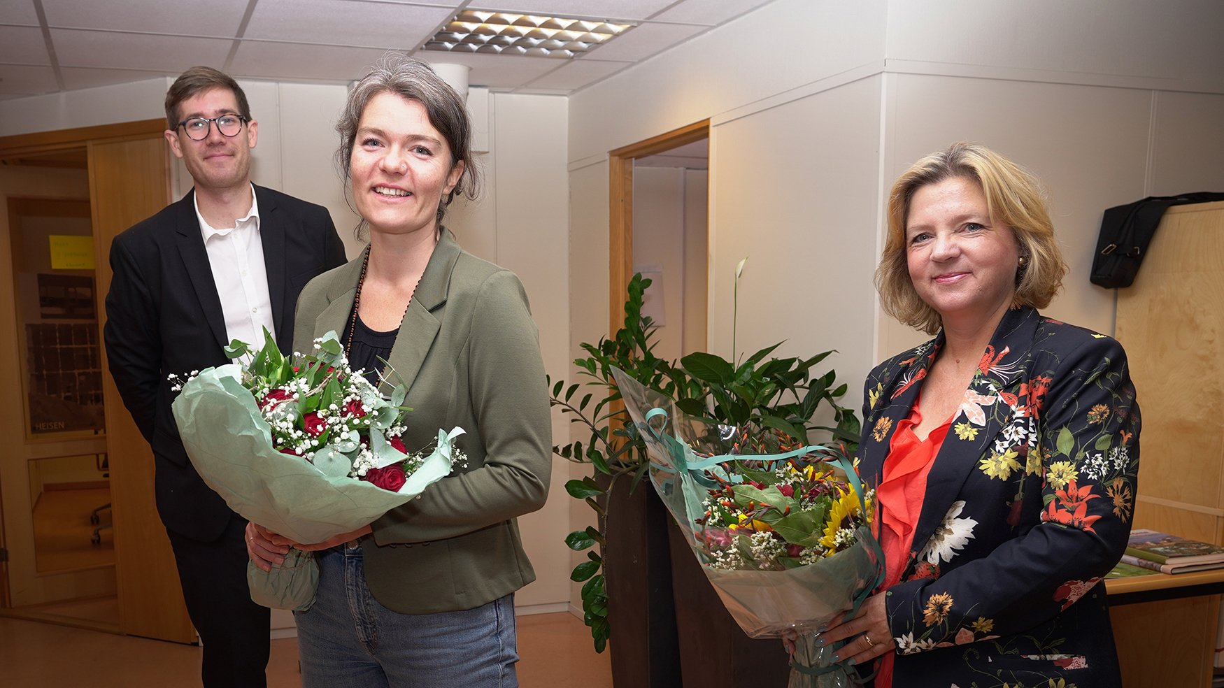 hor Haakon Bakke, byråd for klima, miljø og byutvikling, klimadirektør Stina Ellevseth Oseland og Anne Iren Fagerbakke, kommunaldirektør i Byrådsavdeling for klima, miljø og byutvikling.