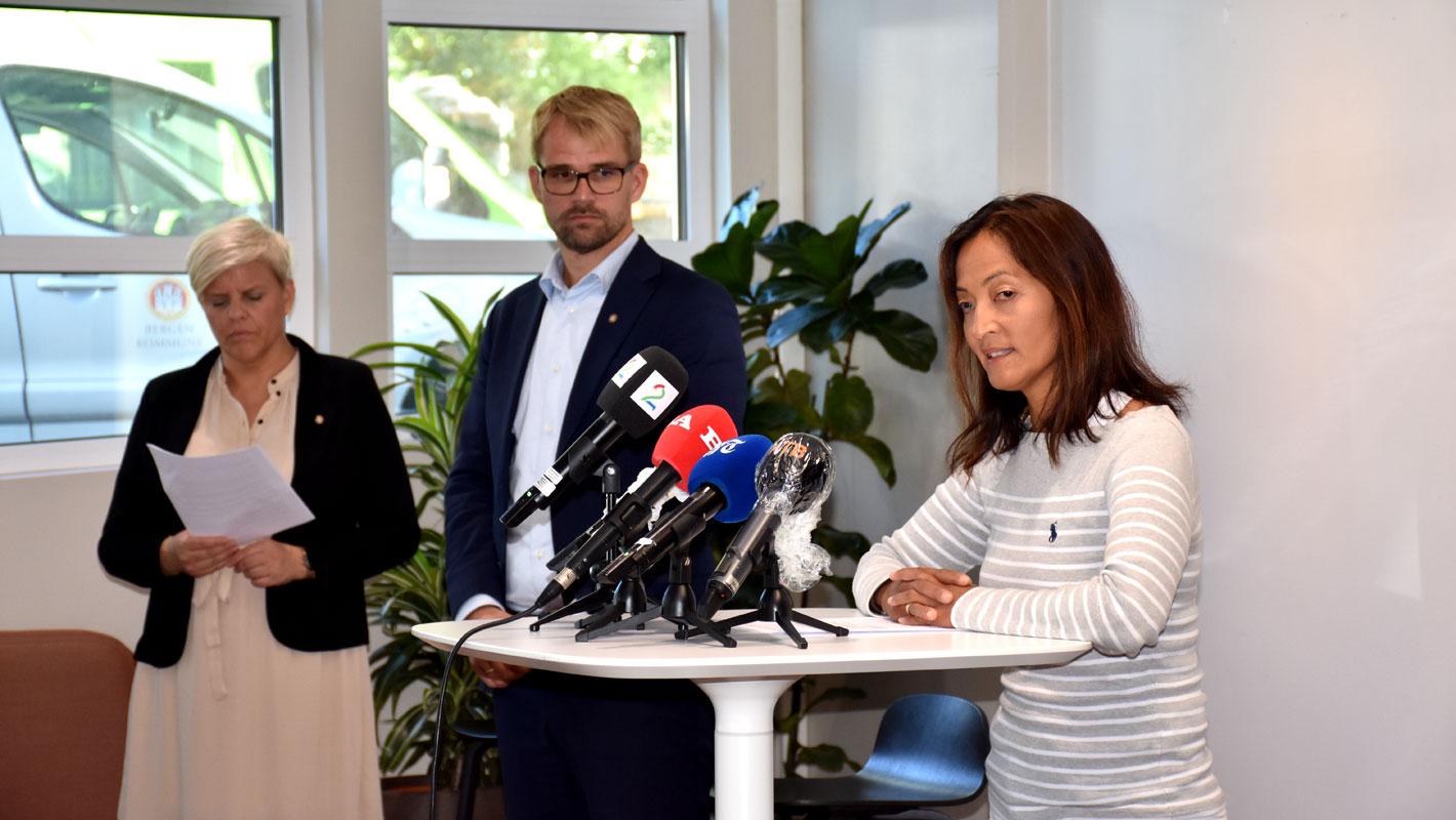 Smittevernoverlege Karina Koller Løland, byrådsleder Roger Valhammer og helsebyråd Beate Husa