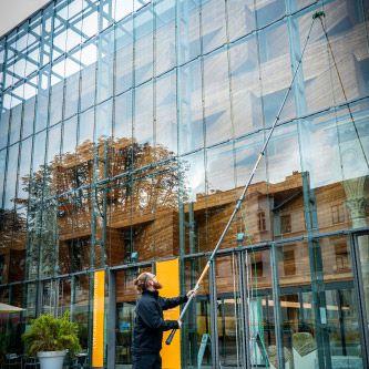 Profesionální čištění oken čistou vodou