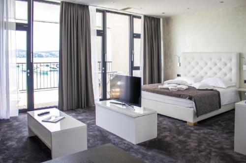 marina baotić apartmani i charter