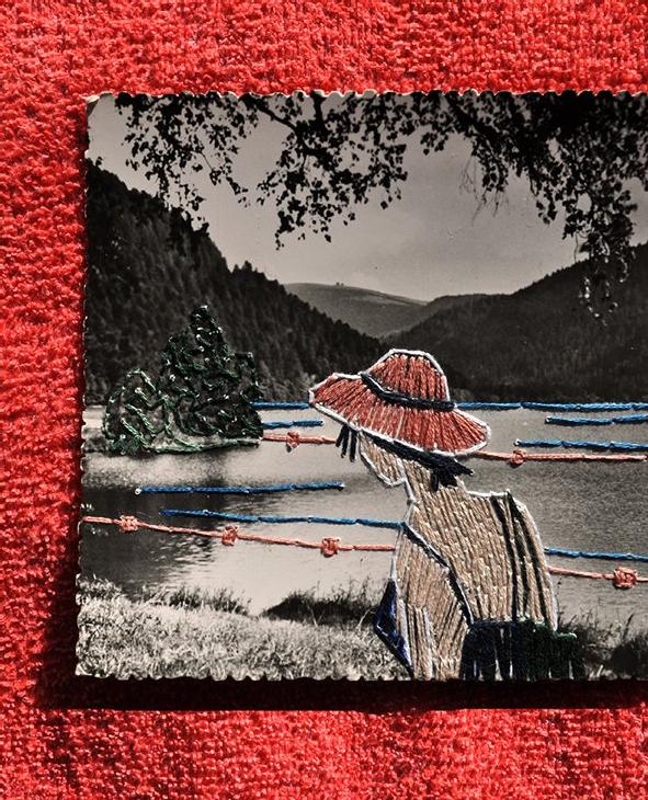 Broderie sur carte postale de Laura Glacer