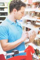Homme supermarché