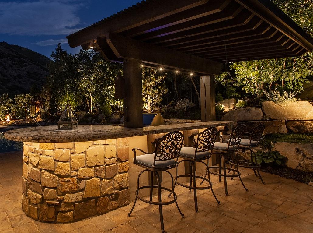 outdoor-bar-lighting