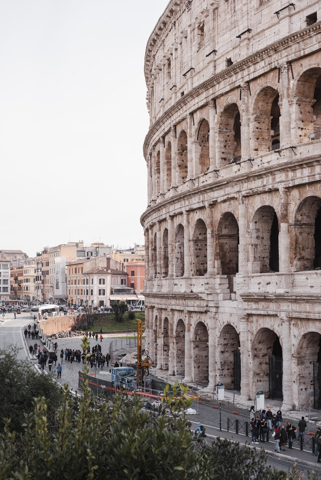 palazzo istituzionale governo italiano colosseo roma