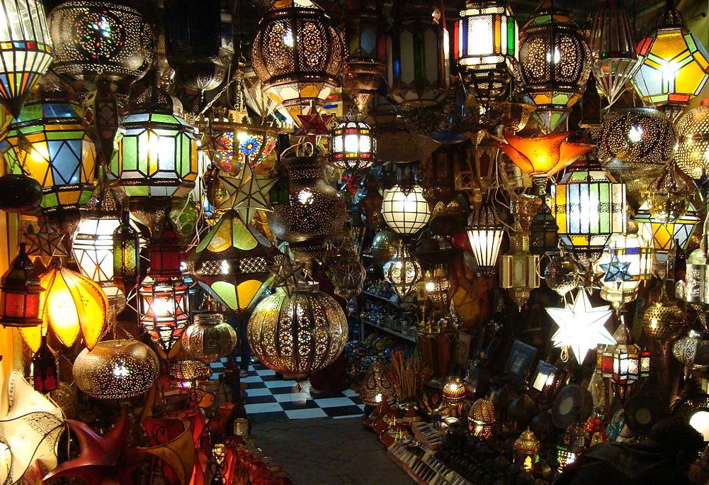 https://commons.wikimedia.org/wiki/File:MarrakeshLight.JPG
