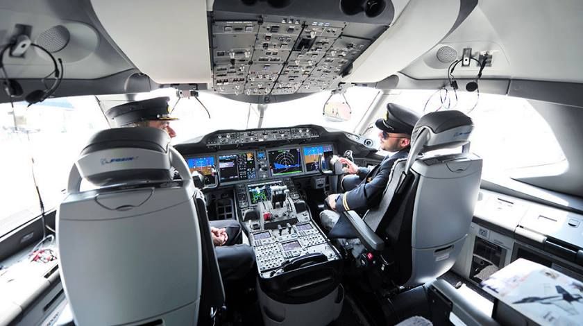 Flying Big: To Be a Wide-Body Aircraft Pilot or Not?