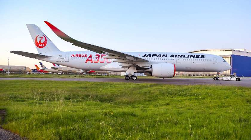 First Japan Airlines A350 XWB Already Wears Airline's Livery