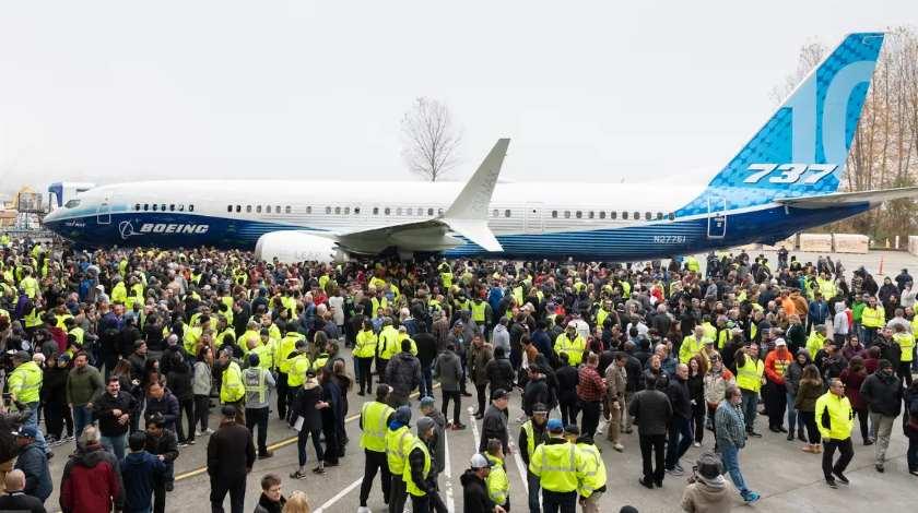 Secret Debut of Boeing 737 MAX 10