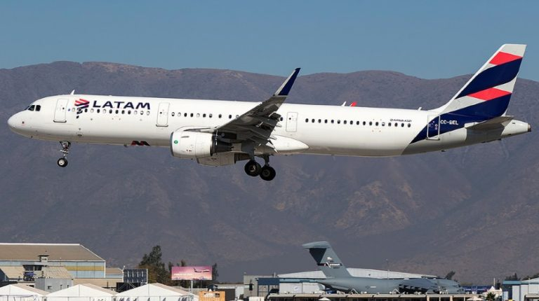 LATAM Chile Airbus A321 Engine Shuts Down in Flight