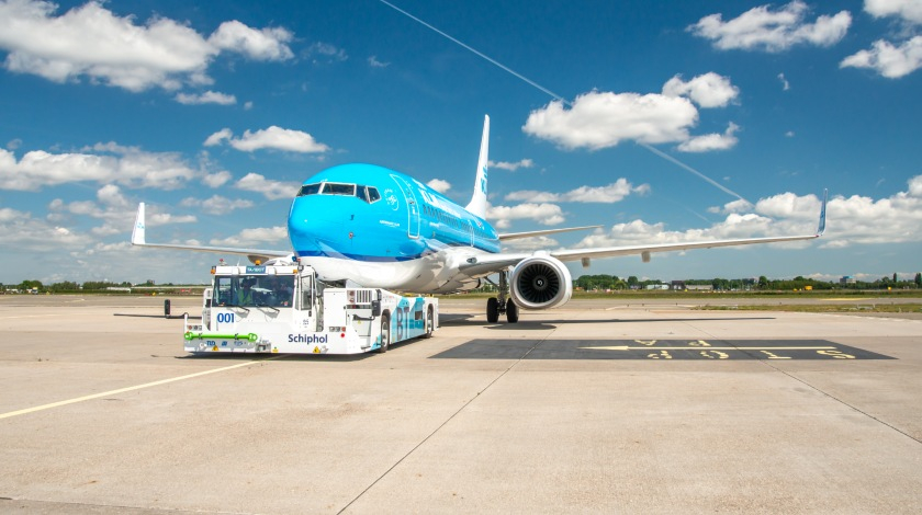 KLM Tests Sustainable Ways to Taxi Aircraft at Schiphol