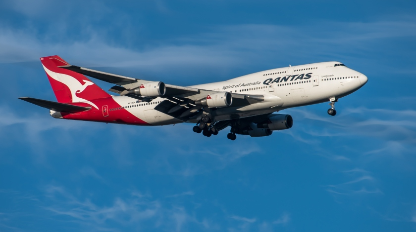 End of Era: Last Qantas Boeing 747 Bids the Very Final Farewell