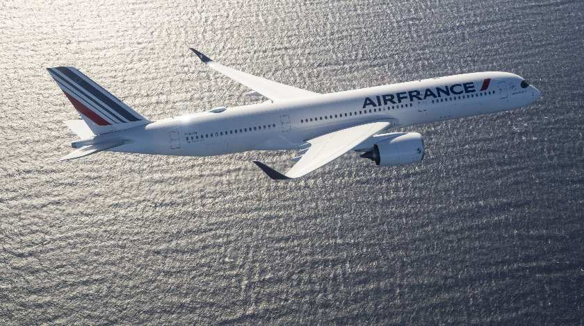 First Airbus A350 XWB Reaches Air France