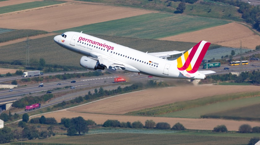 Lufthansa Group Cuts 100 Aircraft; Halts Germanwings