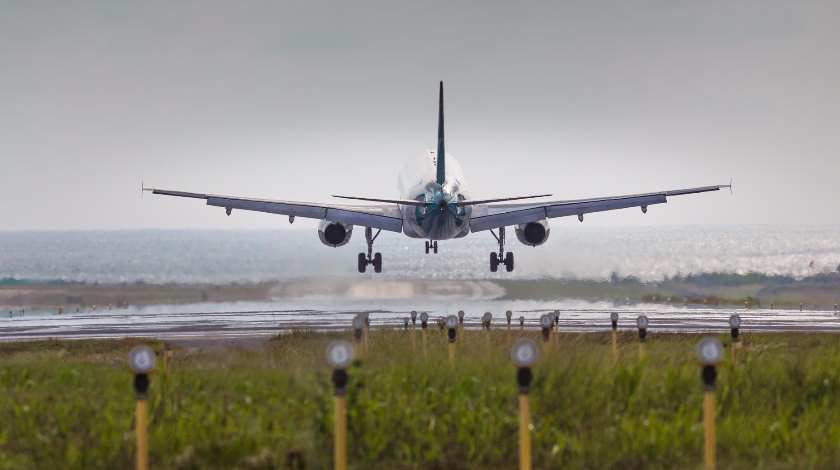 Why Hard Plane Landing in Bad Weather is Intentional?