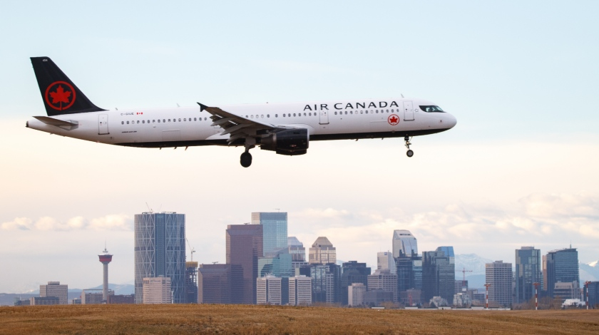 Air Canada Secures Additional $909 Million in Cash