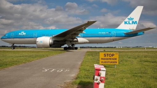 KLM Boeing 777 Makes Stopover Due to Mobile Phone's Thermal Runaway