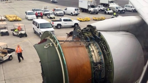 United Boeing 777 Lands in Honolulu After Losing Engine Cover