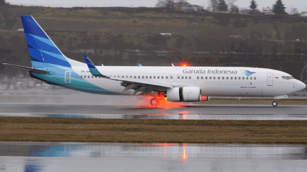 Garuda B738 Both Left Main Tyres Deflated after Landing at Medan