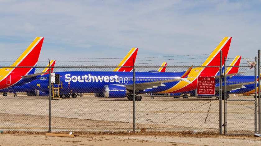 Pilots of Southwest Airlines Sue Boeing For Over $100 Million