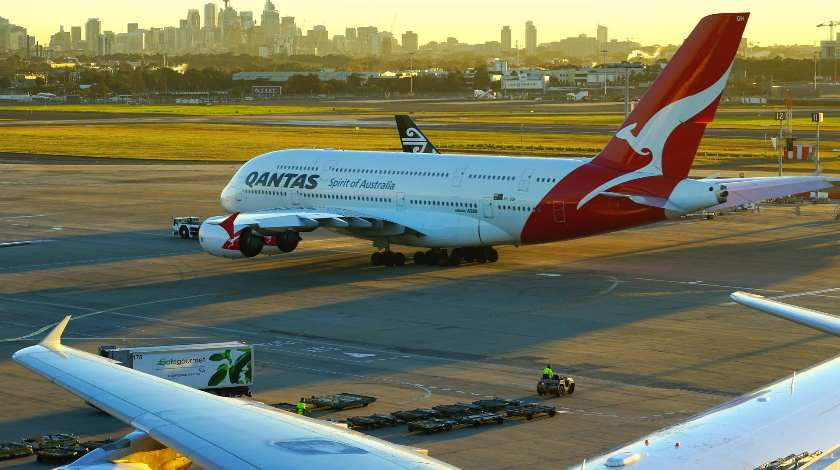 Qantas A380 on Historic Flight: Directly from Australia to London