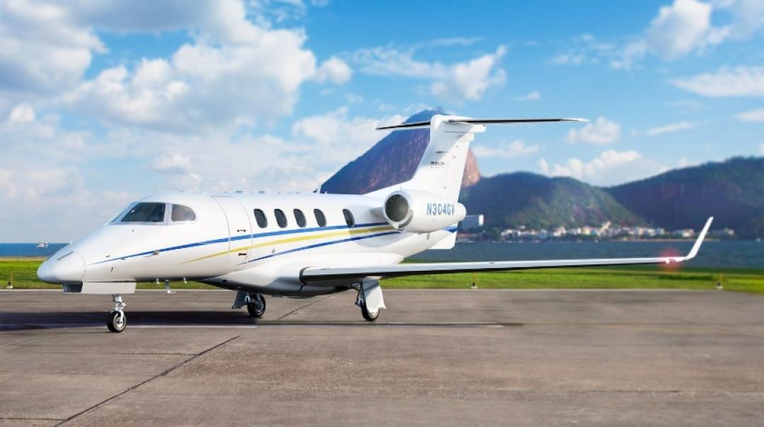 Charter Operator Announces $80,000 Flight Crew Retention Package