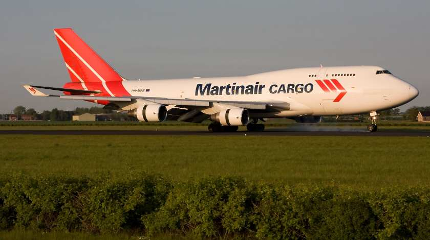 Martinair Boeing 747 Loses a Part of Flaps On Approach