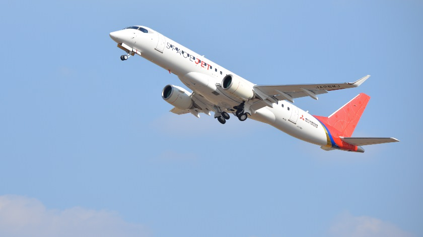 Mitsubishi SpaceJet M90 Test Plane Soars for the Maiden Flight