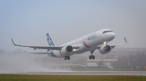 First A321LR Takes to The Skies for Its Maiden Flight
