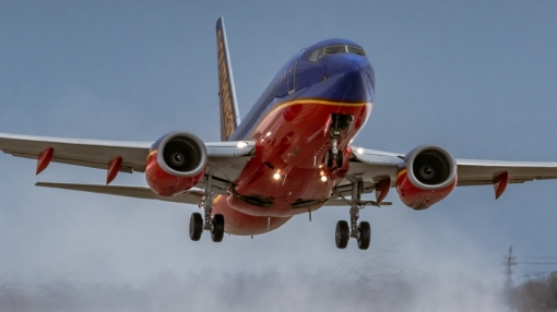 Southwest Airlines Boeing 737 Engine Shuts Down in Flight
