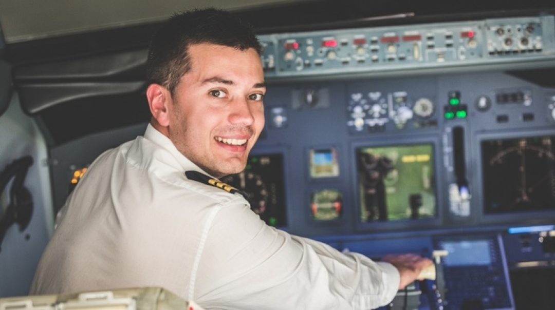 Perks of Smaller Airlines for Kick-Start of Pilot's Career