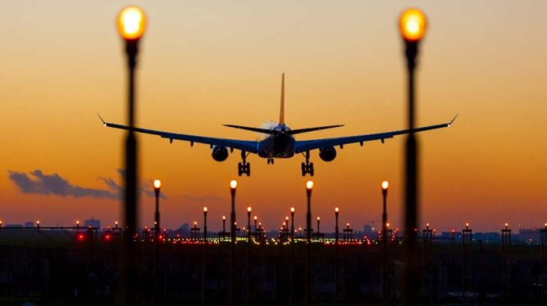 Airlines Urge Caution on Airport Privatization