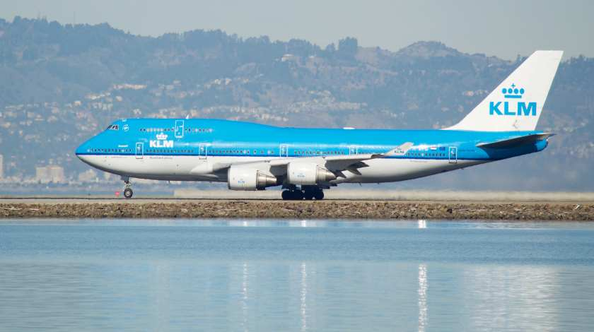 KLM Boeing 747 Experiences Engine Failure