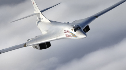 Putin Proposes Civilian Version of Tupolev Tu-160 Bomber