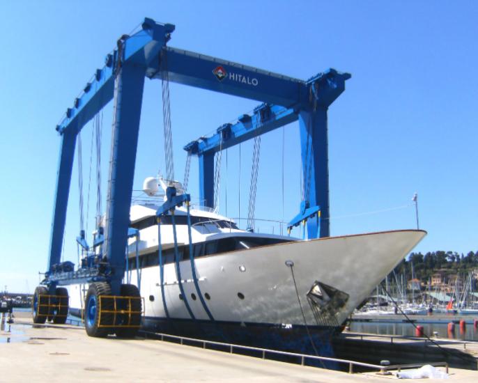 Travel Lifts - Mobile Boat Hoists