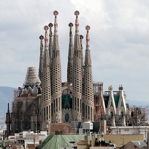 Online Travel Consultant - Sagrada Familia Church - Barcelona