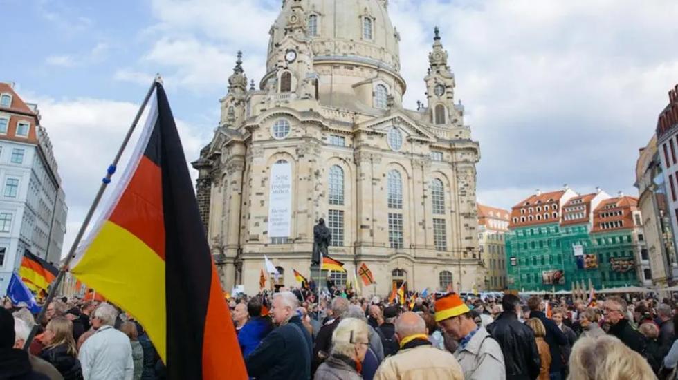 """Selbstmontage der Altparteien geht weiter: Dresden ruft den """"Nazi-Notstand"""" aus"""