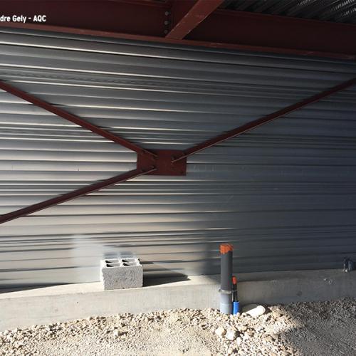 Désordre bâtiment : Lorsqu'une barre de contreventement gêne pour le passage de gaines, on la retire ! Concours Photo AQC 2021