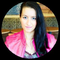 Elyssa Manis, Designer and Digital Marketer